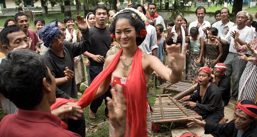 Sang Penari (The Dancer)